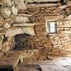 «Αρχαιολογία του Χτες»: ερειπωμένα σπίτια και υποστατικά του Αιγαίου σιγοψιθυρίζουν την ιστορία τους