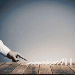 Θραύση κρυστάλλων, του Γιώργου Γκόζη – επιστολικό μυθιστόρημα στην ψηφιακή εποχή